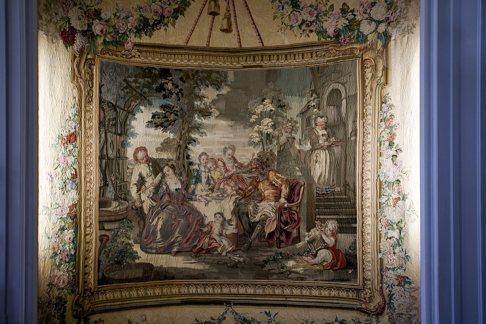 The louis xv salon tapestry villa ephrussi de for Salon louis xv